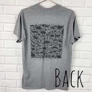 Gildan Yellowstone gray animal graphic tee no size